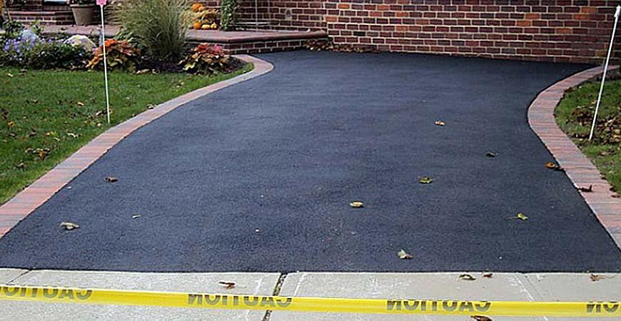 seal coating driveway