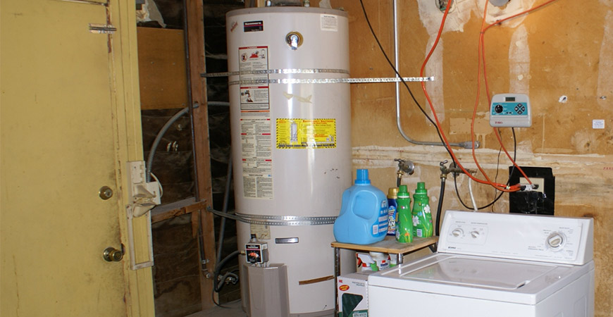 replacing a water heater should be done by a home repair professional