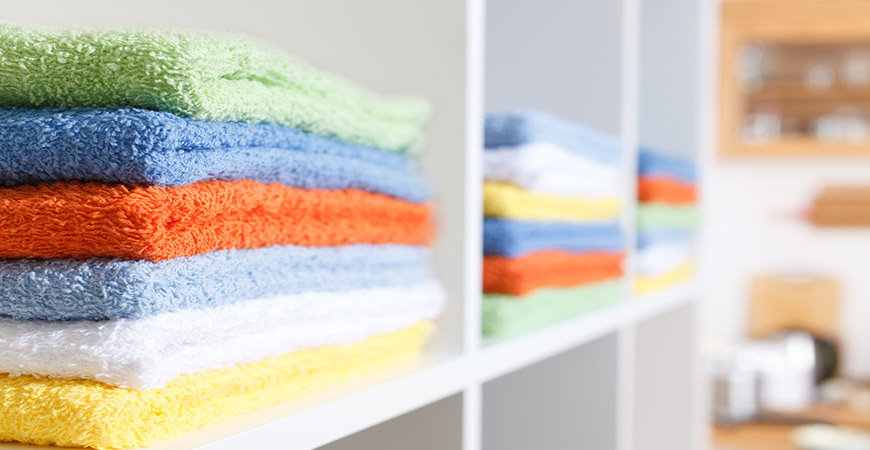 Organize and sort out your linen closet with our easy guidelinese.