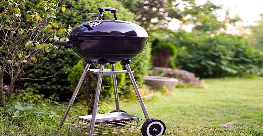 Clean a grill with our no-hassle steps