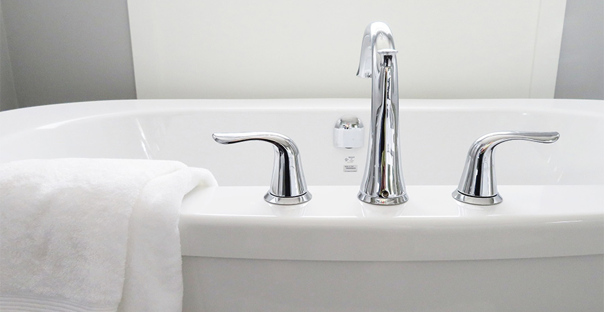 Keep your bathtub soap scum free by using Wet & Forget Shower weekly!