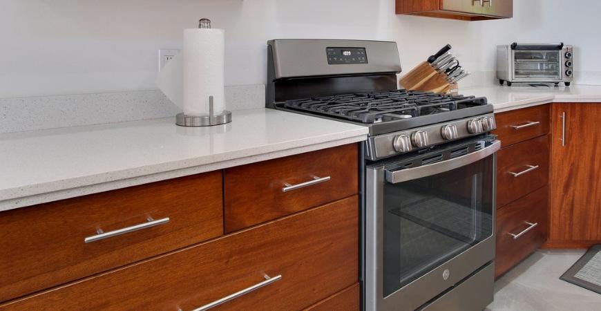 updating kitchen hardware