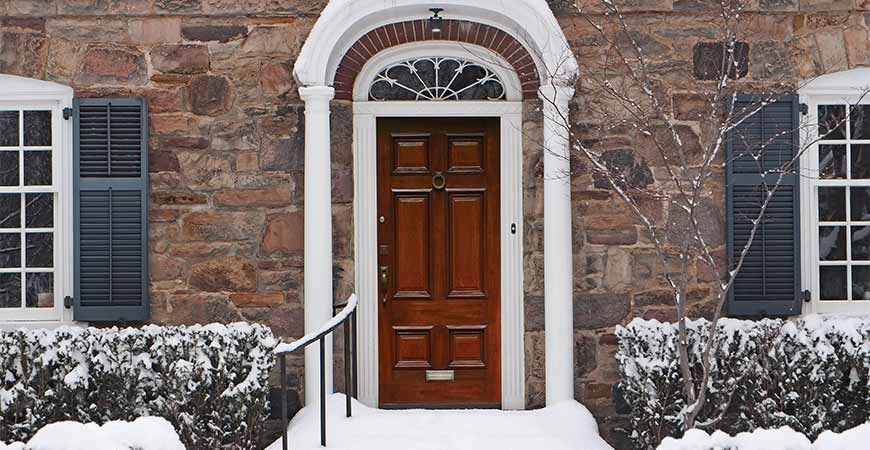 Fix your squeaky wooden door this winter.