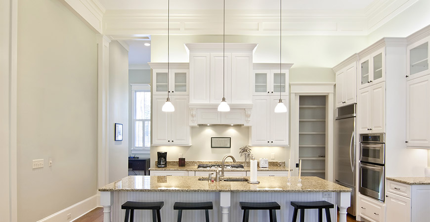 Intricate crown molding in a kitchen